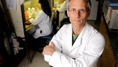 Photo of واکسن HIV باید بتواند بر حالات جهش یافته ویروس HIV نیز انطباق پیدا کند