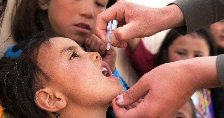 واکسن زندهی تغییریافته به منظور جلوگیری از شیوع فلج اطفال