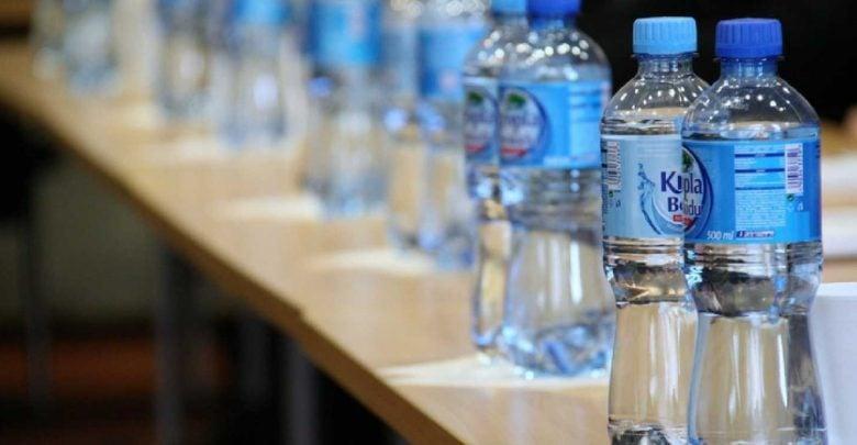 به منظور کاهش در معرض قرارگیری با (BPA (Bisphenol A که یک ماده شیمیایی مرتبط با سرطان است، تولیدکنندگان به جایگزین های BPA روی آوردهاند. در حالی که تحقیقات جدید نشان داده است که جایگزین های BPA باعث القای تقسیم سلولی سرطان پستان میشوند.