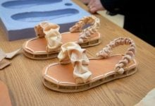 Photo of کفشهایی از پر و قارچ