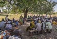 نشست عمومی جهت رهاسازی پشههای تراریخته در روستا Bana کشور بورکینافاسو